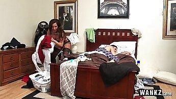 Alyssa Jaeers Stepmom Makes Her Stepson Horny In Tampa