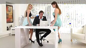 Boss loves to please a guy in his office
