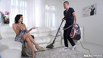 Crazy Squirting Milf Cecilia Rae Quickie With Friend