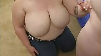 Chubby Girlfirsher Brillant In The Hood