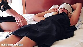 Amateur Girl Fingering Play And Squirt