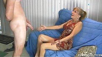 Amazing mattress fuck by mature pornstar in bed