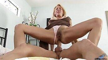 Big-tits mature cougar Brandi has orgiastic pussy lips