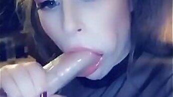 Brunette Queen Sucking her BFs Big Dick