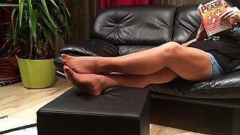 Cleo Davidson In Her Parents Nylon Feet
