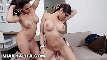 Busty MILF Daya King Makes Herself Cum